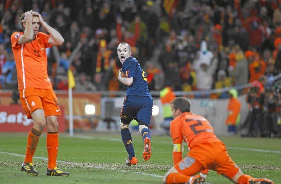 Kupa e Bot euml s 2010  Iniesta kujton golin e jet euml s  Privilegj q euml  b euml ra miliona njer euml z t euml  lumtur