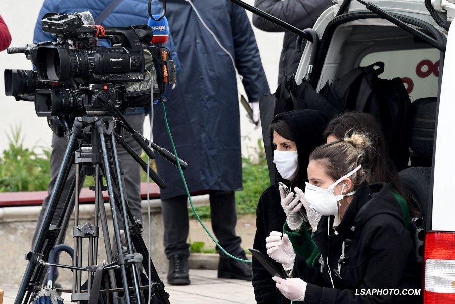 'Shpërndarje paniku'/ Si policia i përndoqi gazetarët pas tërmetit dhe COVID-19