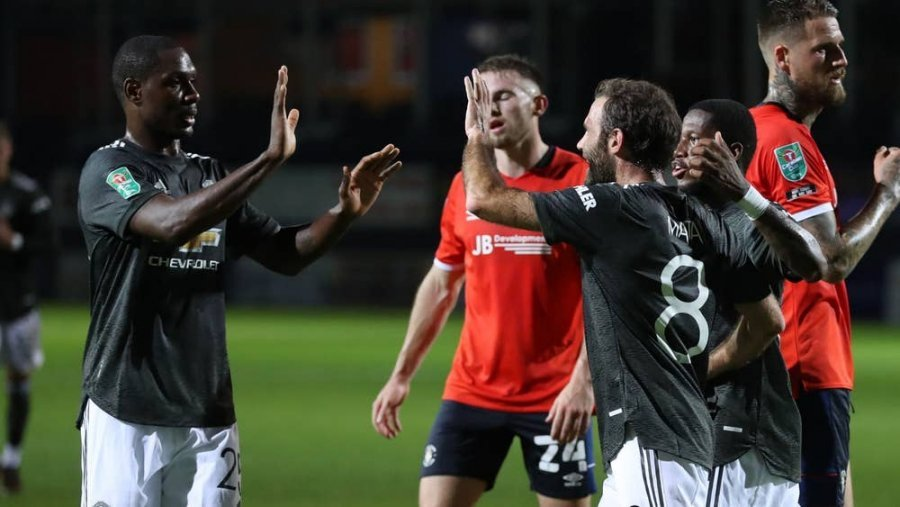Kupa Carabao  Man United mposht Luton dhe kualifikohet n euml  raundin tjet euml r