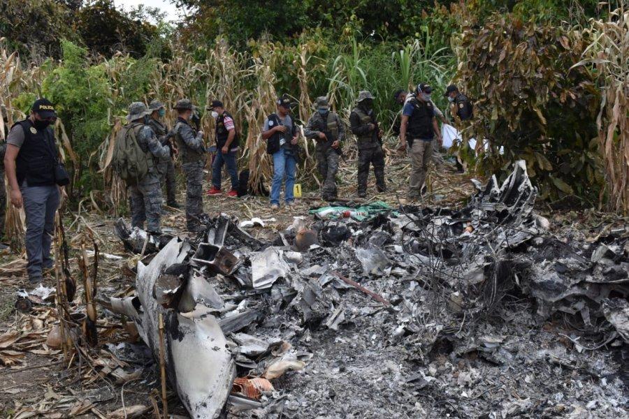 Vjedhin avionin dhe e mbushën me armë dhe drogë, përplaset në xhunglën e Guatemalës gjatë uljes