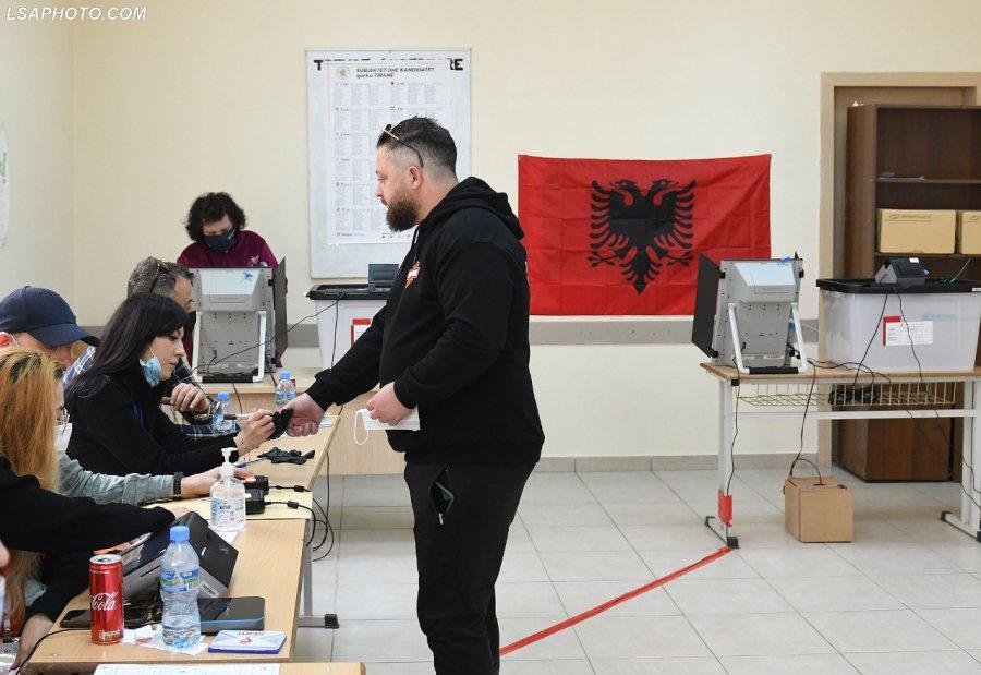 Votimi elektronik/ PD fiton thellë në 'Stalingradin' e Tiranës