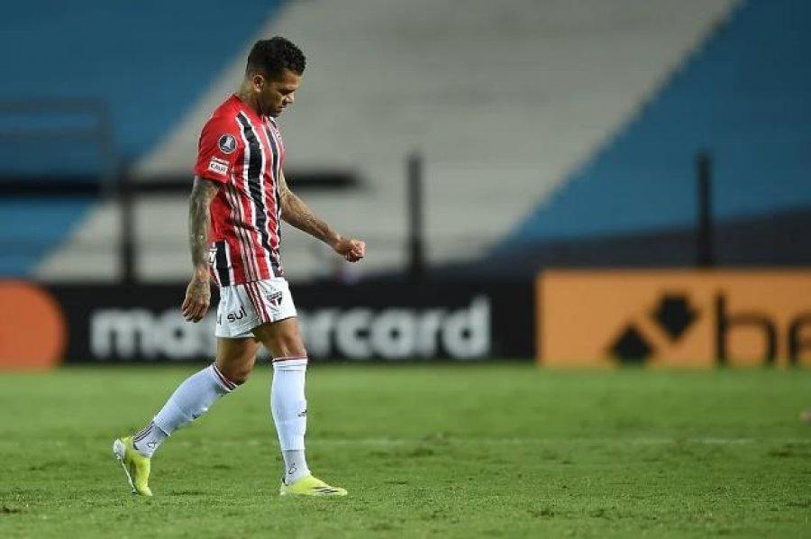 Dani Alves mbetet pa klub, Sao Paulo i ka borxh 1/8 milionë euro